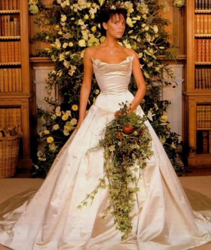 Les pires robes de mariees 01 1