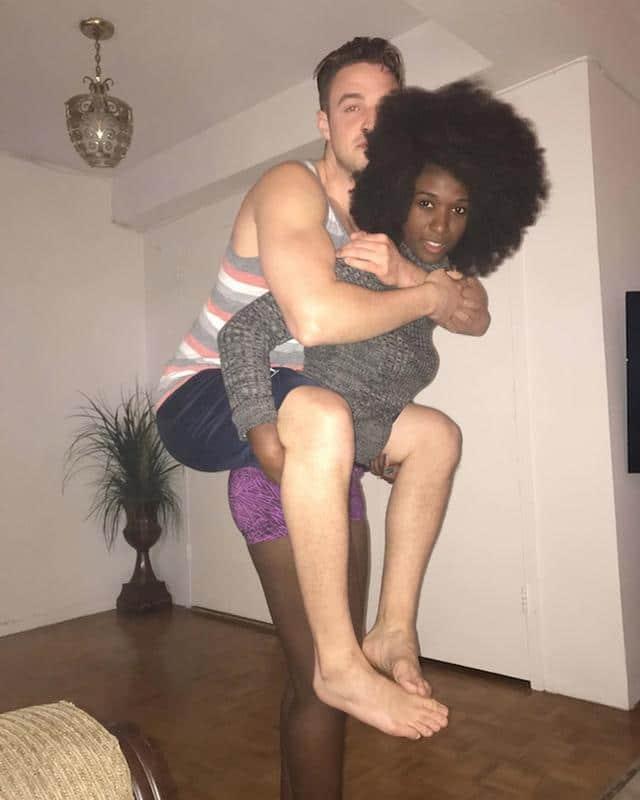 Le selfie dun couple devient 02